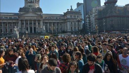 #NoAlAjusteEnCyT: científicos, docentes y estudiantes reclamaron frente al Congreso