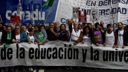 En Clave Roja UTN se solidariza con docentes y repudia acuerdo salarial a la baja del kirchnerismo