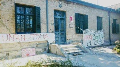 Estudiantes y docentes en alerta por amenaza de desalojo de la toma del Vicerrectorado de la UNRN