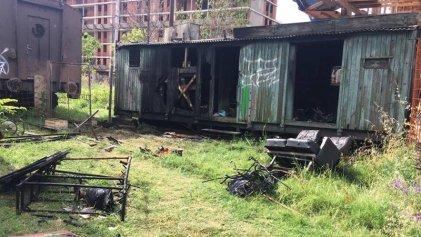 Chacarita: incendiaron dos vagones de la huerta comunitaria La Chacrita