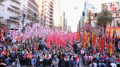 Gran acto del Frente de Izquierda Unidad en Córdoba
