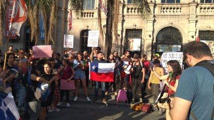 """Solidaridad con el pueblo chileno en Córdoba: """"Si tenemos que manifestarnos, las calles son el lugar"""""""