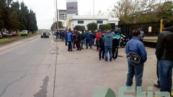 Trabajadores de Alijor toman la fábrica en defensa de sus puestos de trabajo